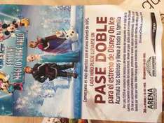 Pase Doble para Disney On Ice CDMX consumiendo en Vips