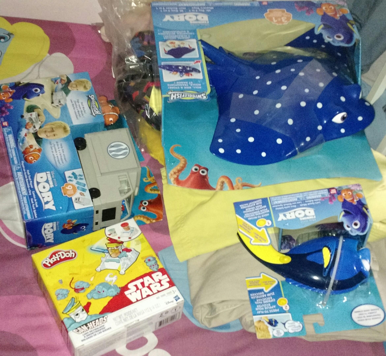 Soriana: liquidación juguetes (Dory), playdoh star wars