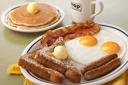 IHOP: $69 en vez de $139 por Split Decision Breakfast o Cheeseburguer