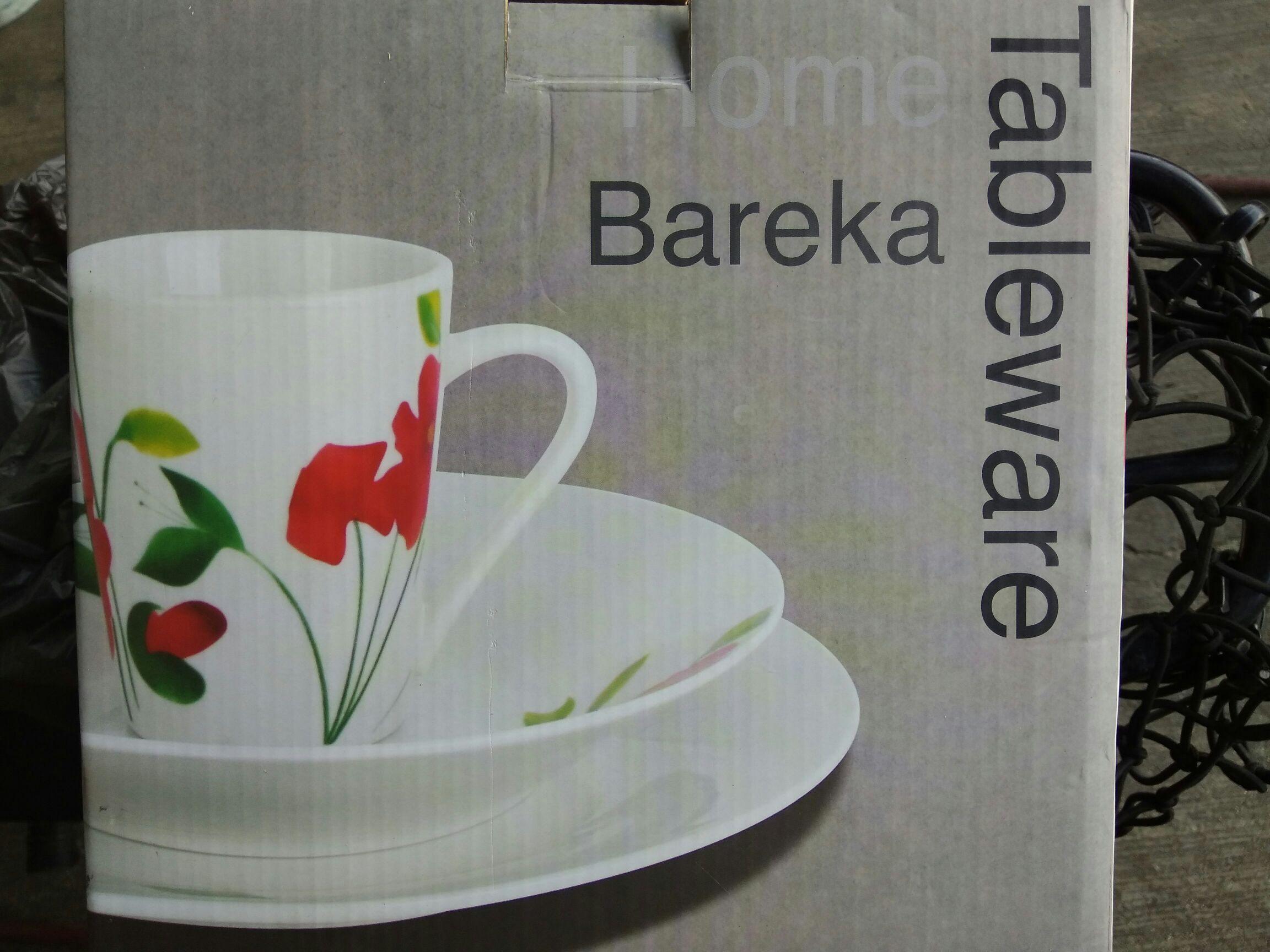 Bodega Aurrerá: Vajilla Bareka 12 piezas a $35.02