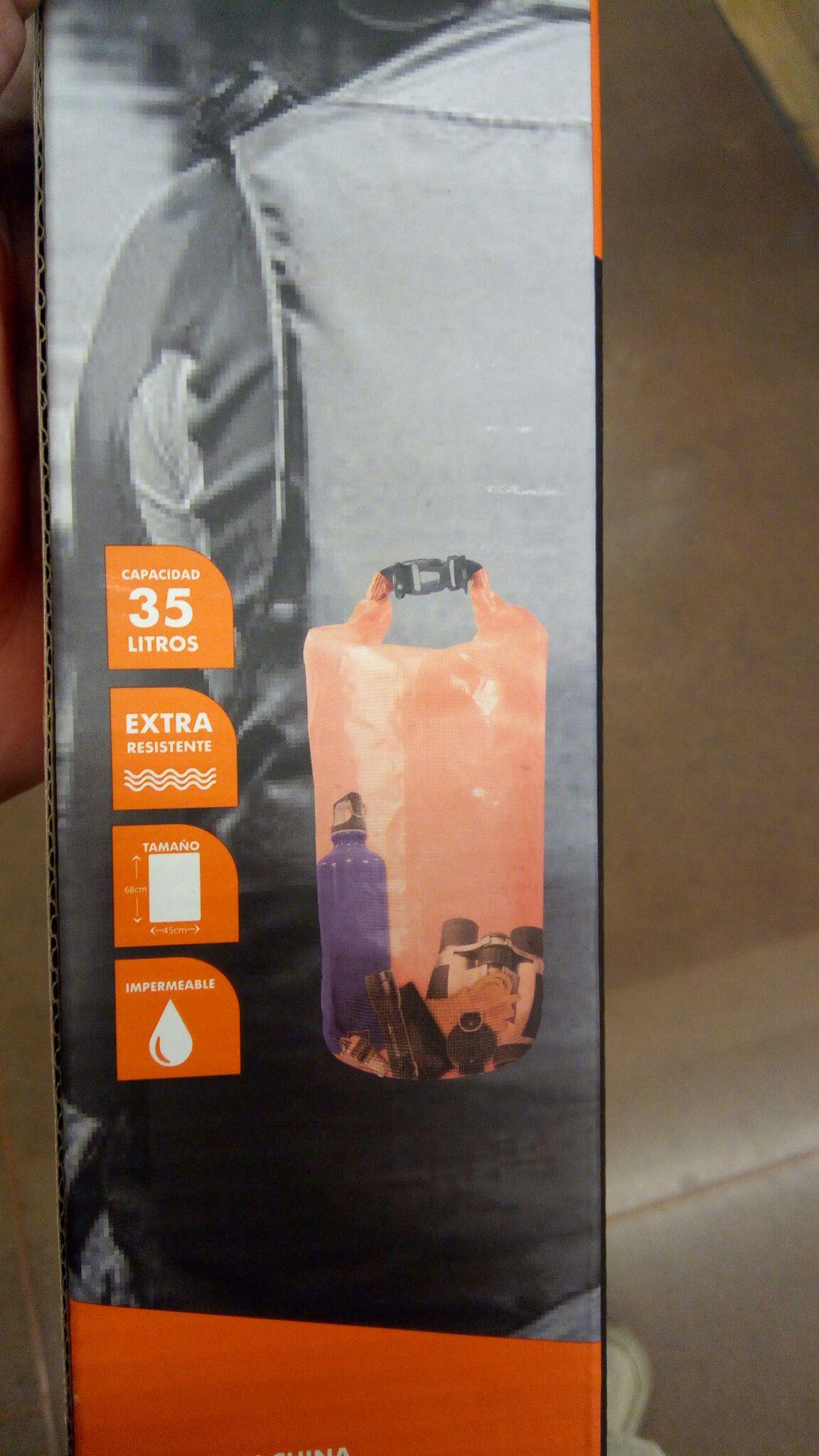 Walmart: Bolsa impermeable 35lts Black Mountain