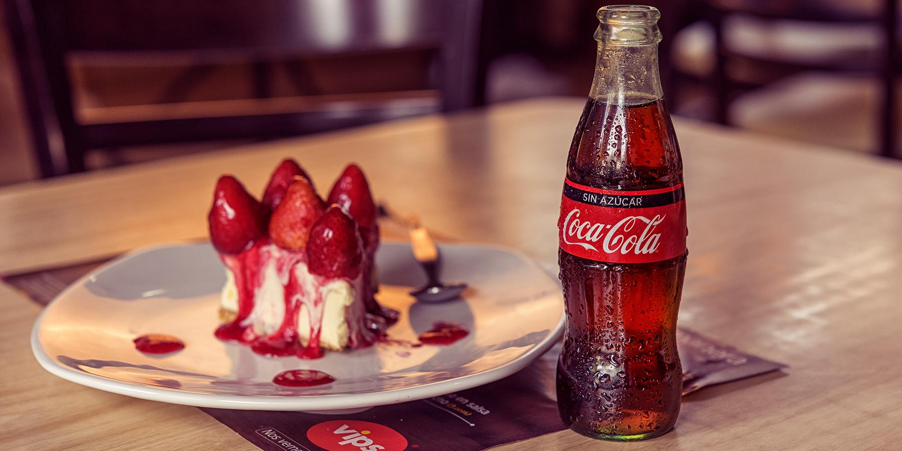VIPS: 50% descuento en Cheesecake con fresa presentando cupon en caja y consumiendo coca-cola sin azucar