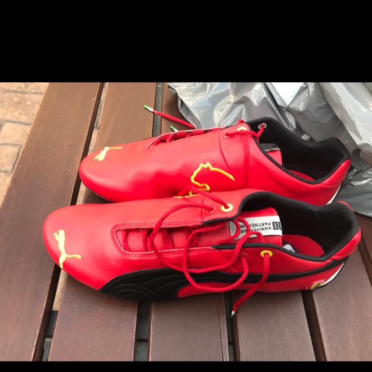 Tienda Puma: Tennis Ferrari rojos #11 a $500