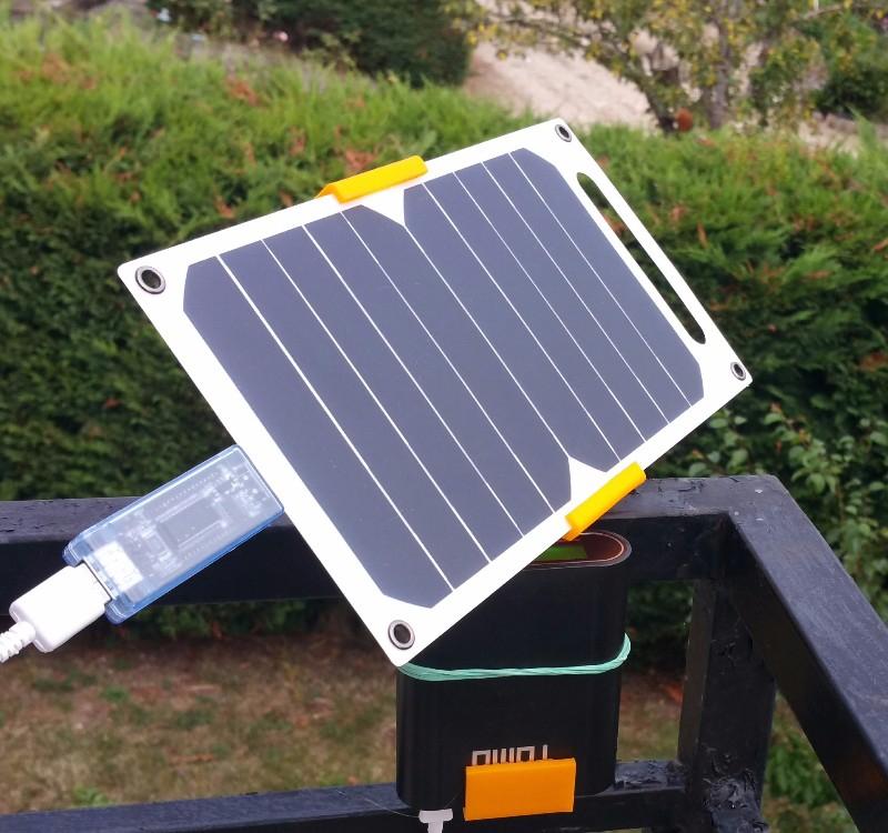 Tomtop: cargador solar portátil ultra delgado 10W