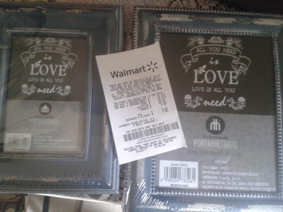 Walmart: portaretratos azul $16.01 y $24.01