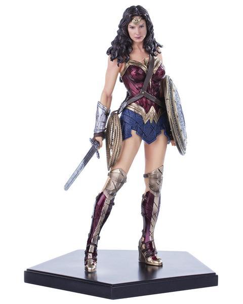 Gamershop: ironstudios Batman v Superman: Dawn of Justice Wonder Woman Statue by Iron Studios
