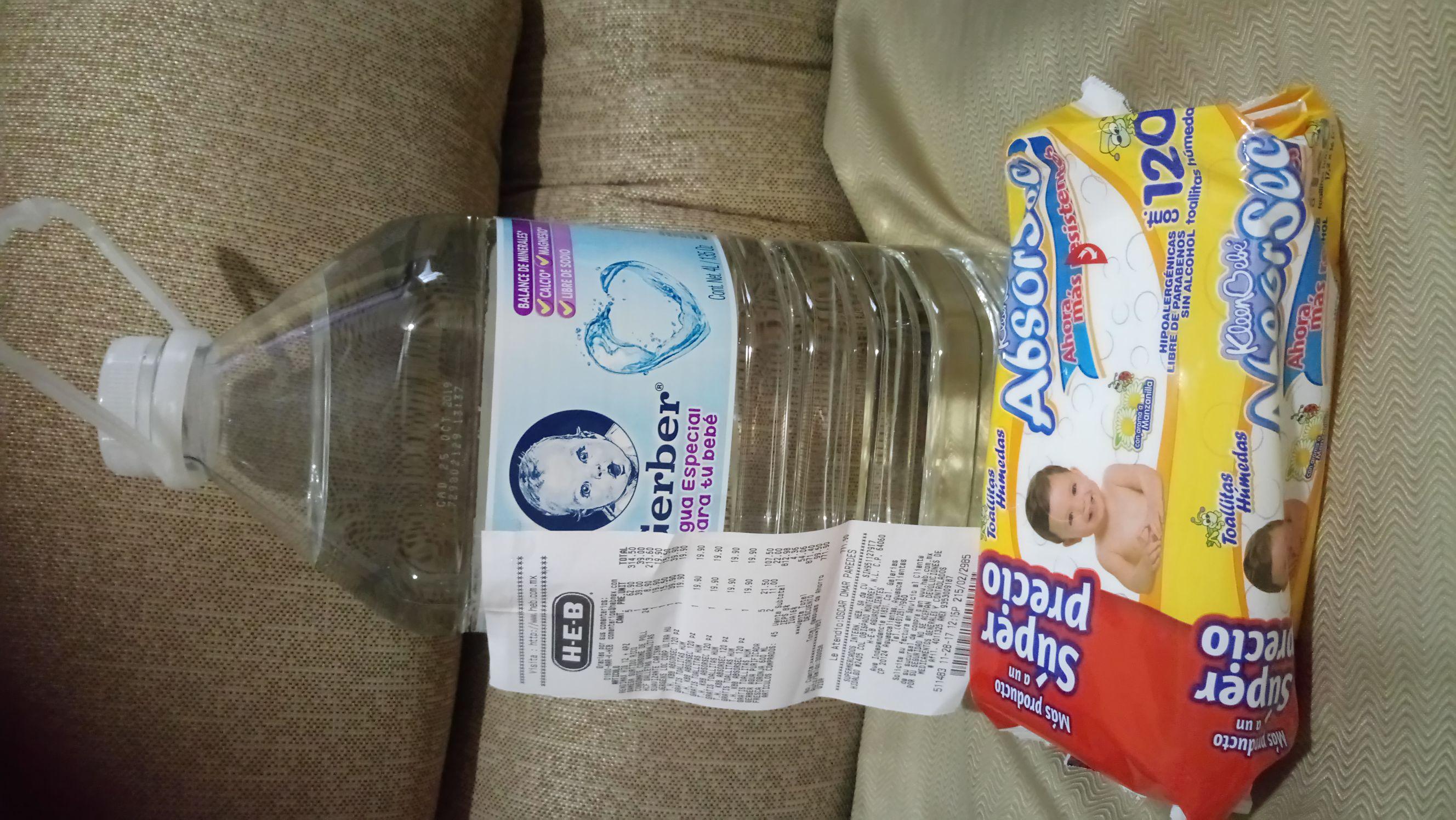 HEB: gratis toallitas húmedas en la compra de agua 4 litros