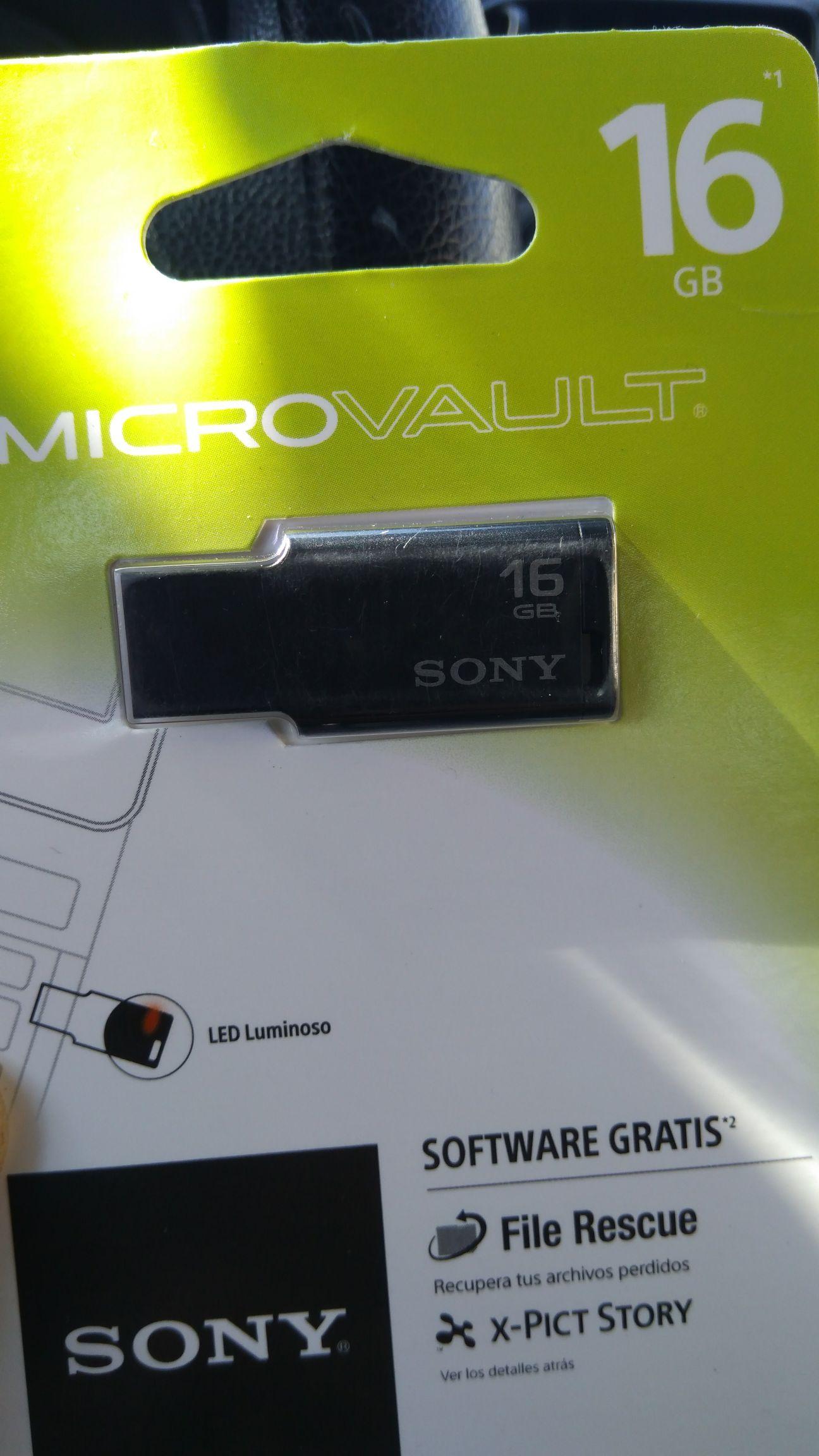 Bodega Aurrerá: Memoria USB 2.0 16 Gb $139.02