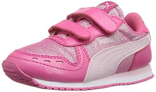 Amazon: Tenis infantil PUMA rosas con brillos.