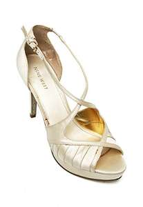 Amazon: Sandalias Nine West de Satín. Talla 25.5 y 26. Aplica prime