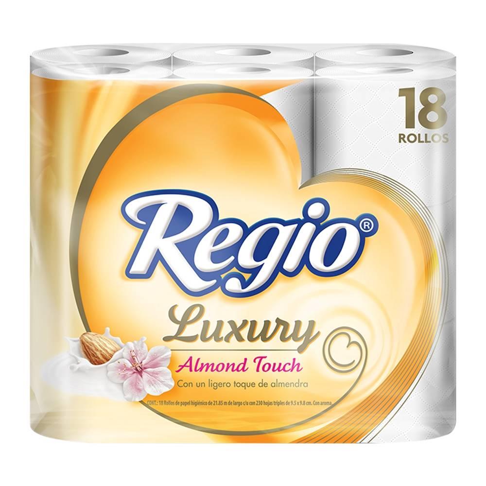 Superama: 2 paquetes de 18 rollos papel Regio Almond Touch