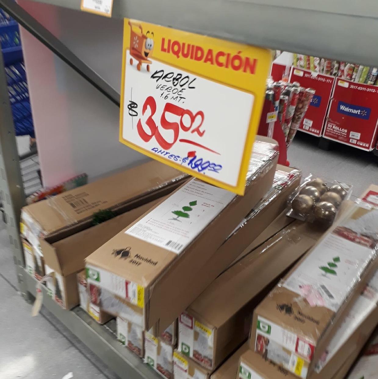 Walmart Portal San Angel CDMX: Árbol navideño de 1.6 metros