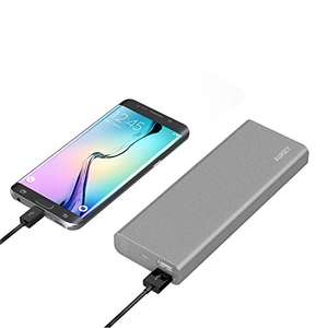 Amazon: Aukey PB-AT20 20100mAh Power Bank Carga rápida 3.0 color Plata