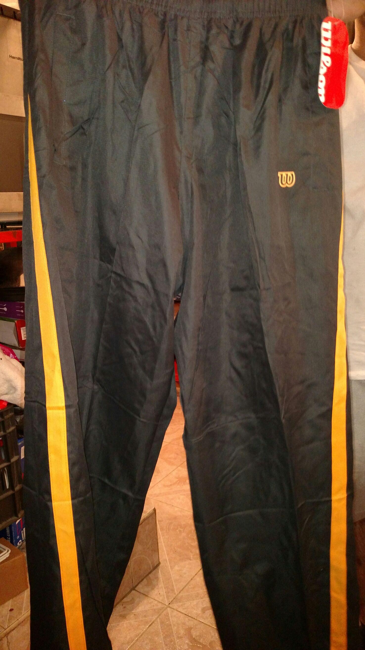 Bodega Aurrerá: Pantalón deportivo Wilson a $60.02