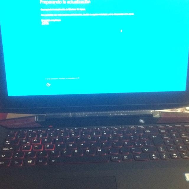 La Comer: Laptop Lenovo Y700 a $13,000