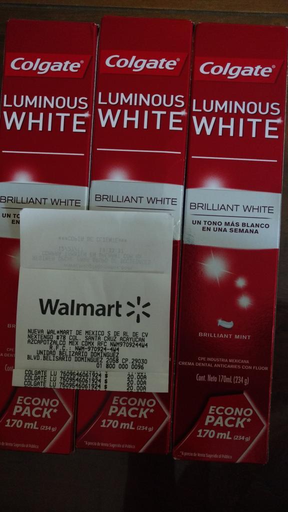 Walmart poniente Tuxtla Gutiérrez: Pasta dental Colgate luminous white econopack de 174ml a $20