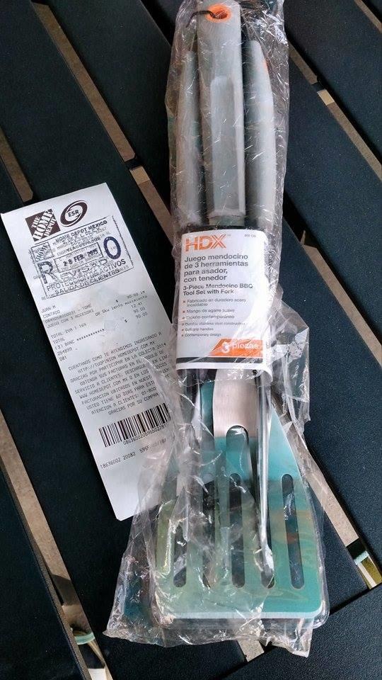Home Depot: Juego de 3 utensilios para asador de $225 a $90