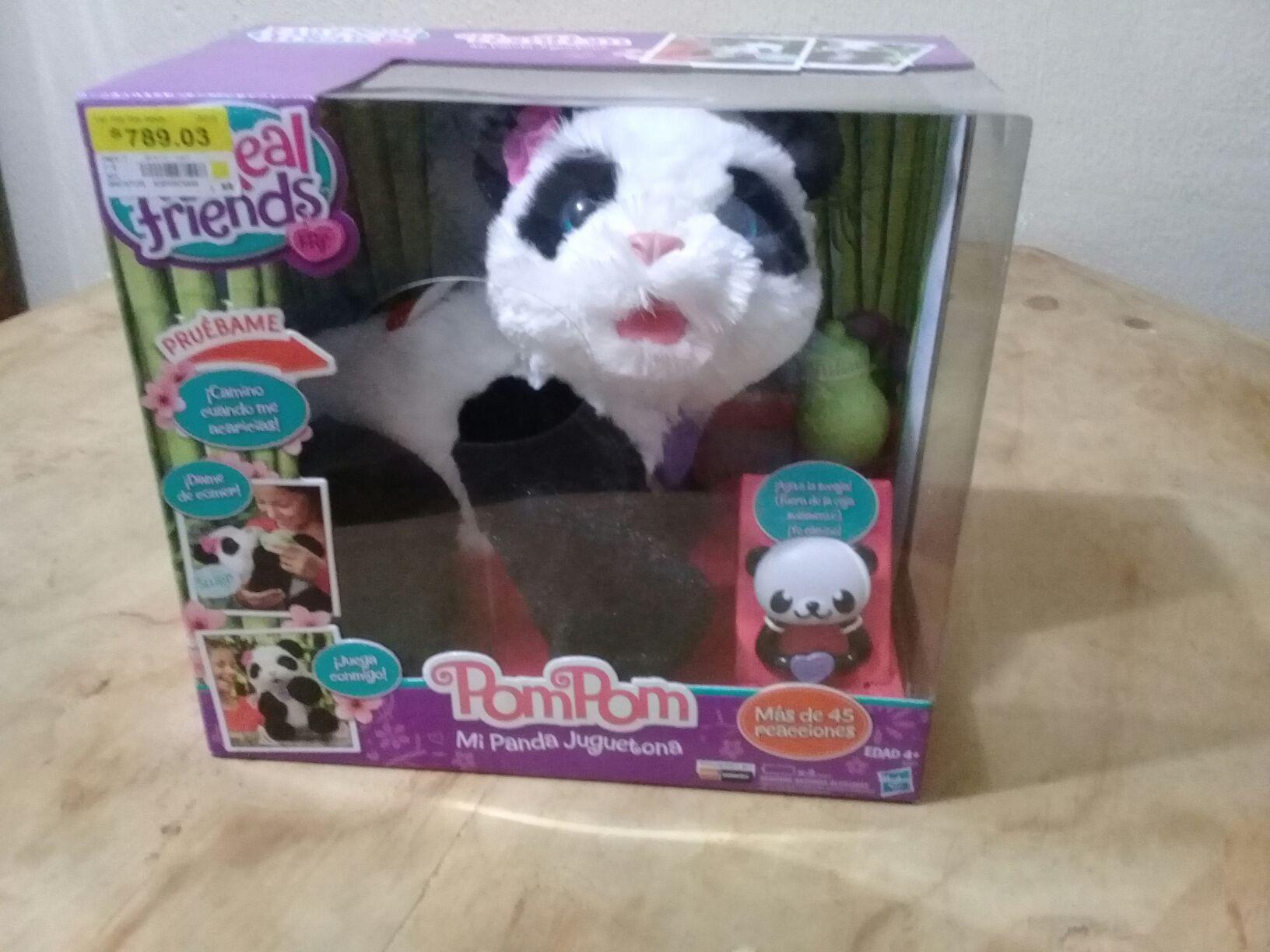 Bodega Aurrerá: Panda pompom que gatea $789.03