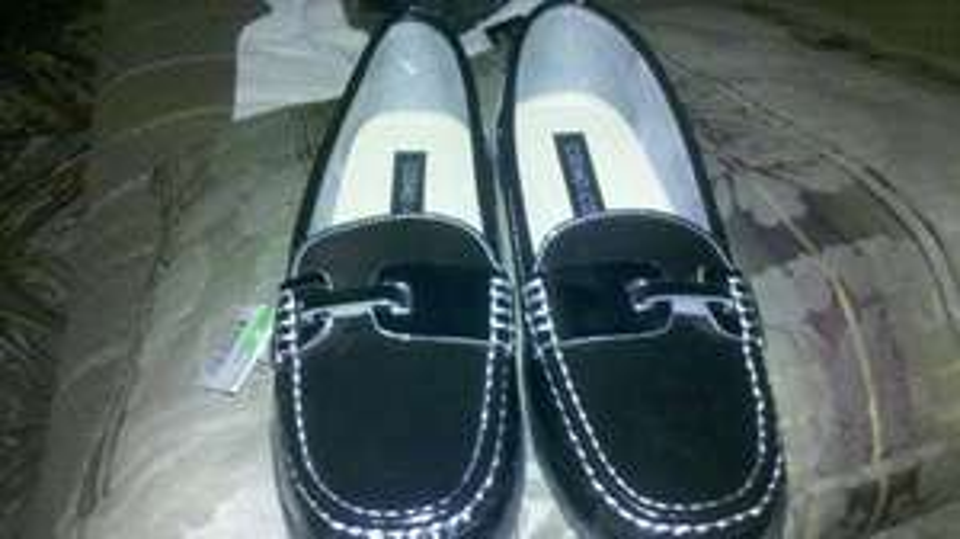 Walmart: zapato de dama tipo mocasin marca cosmo co. $30.01