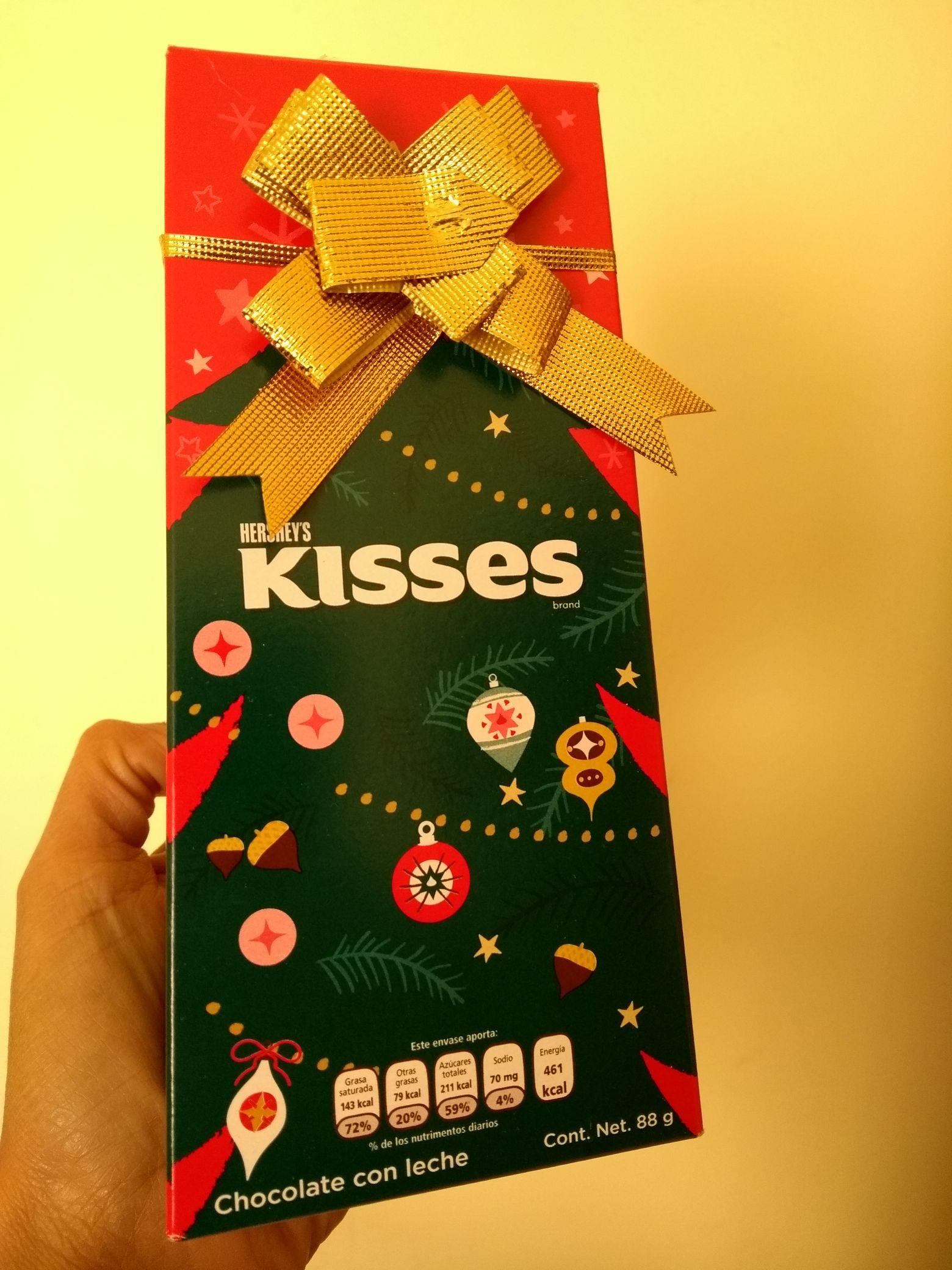 Comercial Mexicana: Arbolito de Kisses