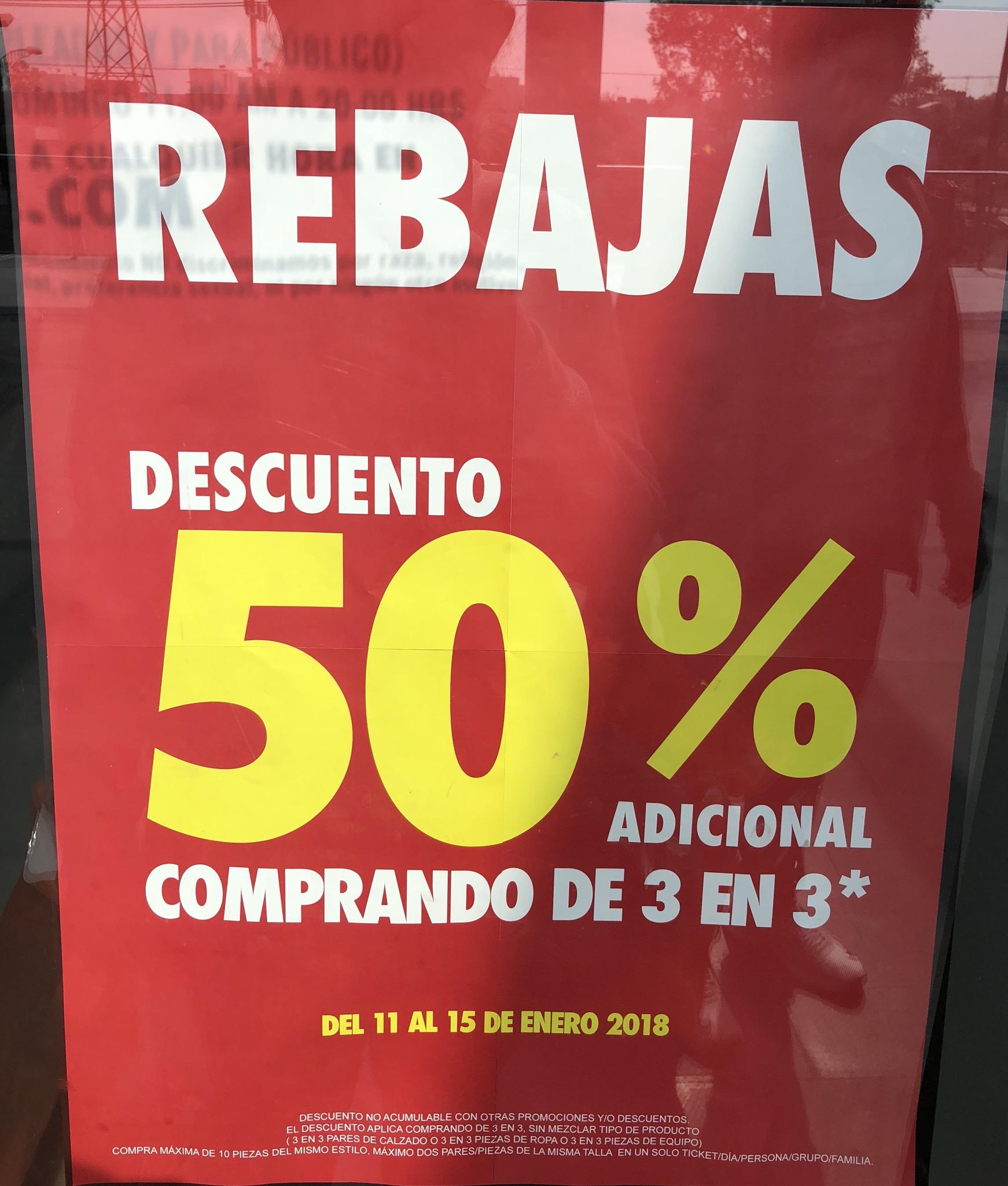 Nike Factory Store: 50% de descuento comprando 3