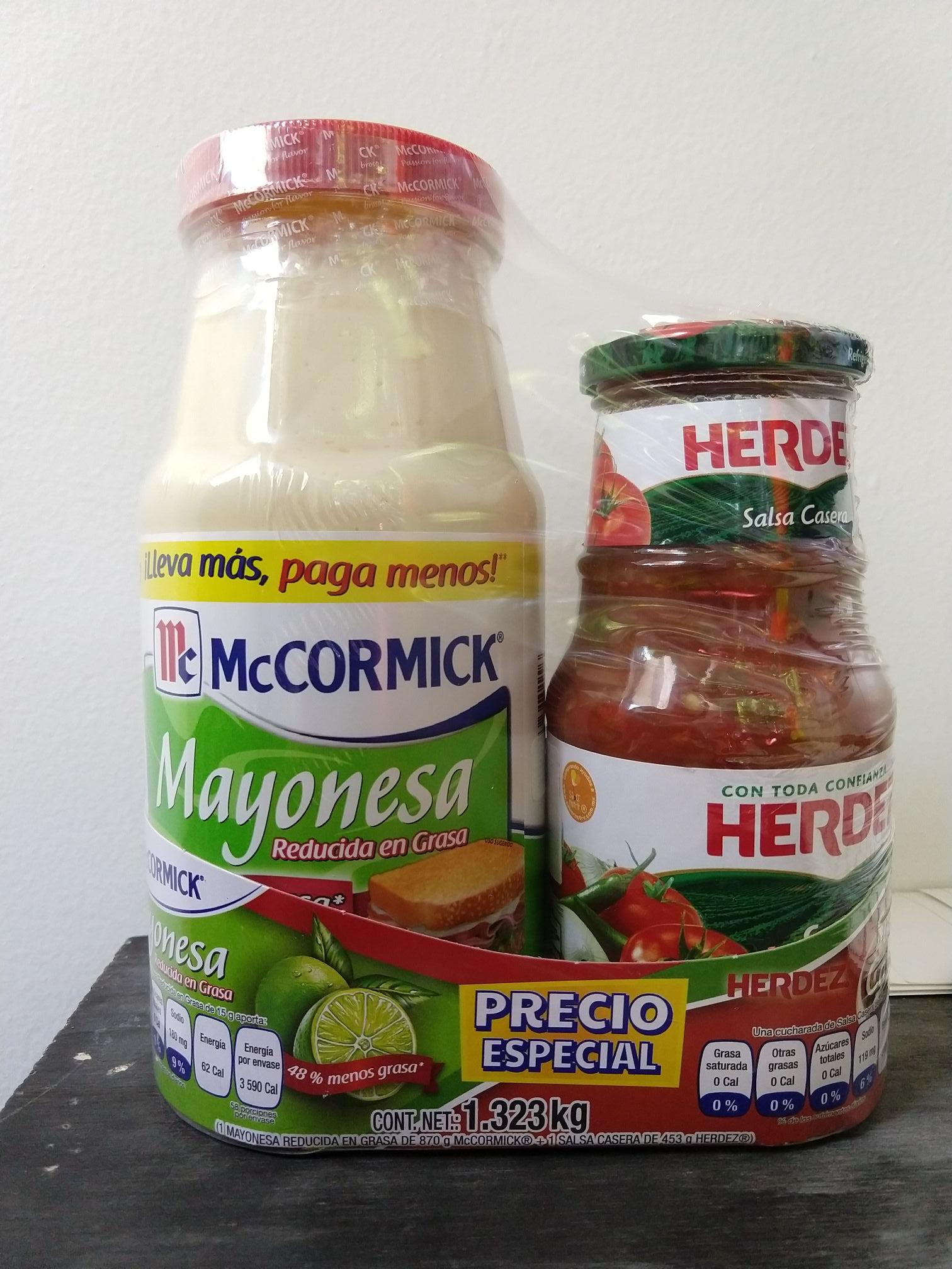 Mega Soriana. Mayonesa Mccormick reducida en grasa de 1 KG más salsa casera.
