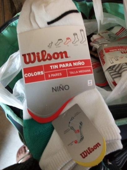 Chedraui Santa Fe, Cancún: 3 pares de tines marca Wilson