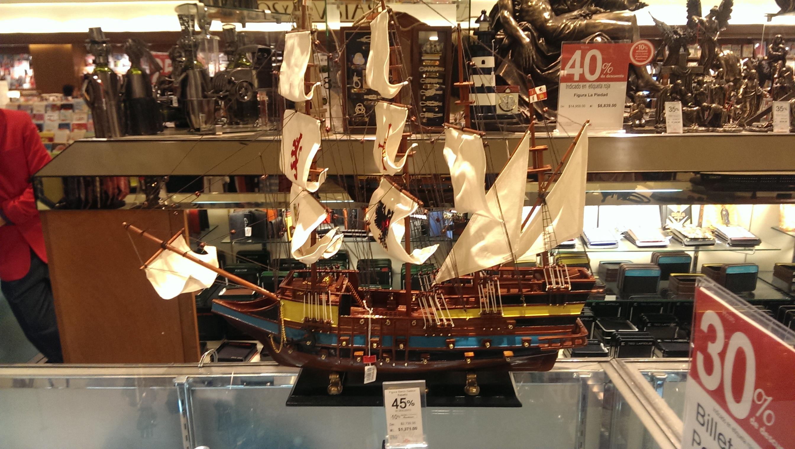 Sanborns: Barco galeón español $1,371 (original $2,740)
