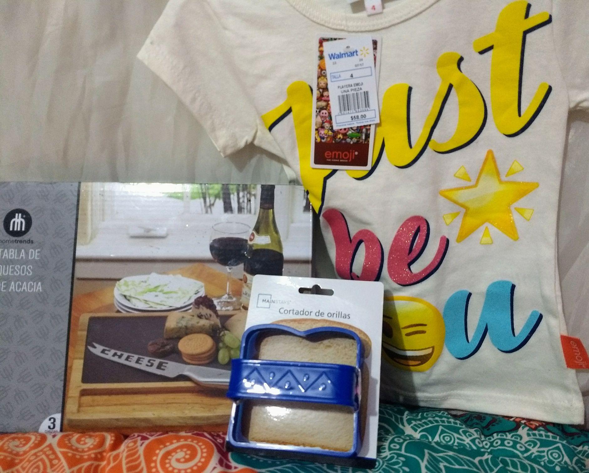 Walmart: Tabla de quesos $48.01, playera emoji $10.02 y cortador para sandwich $2.01