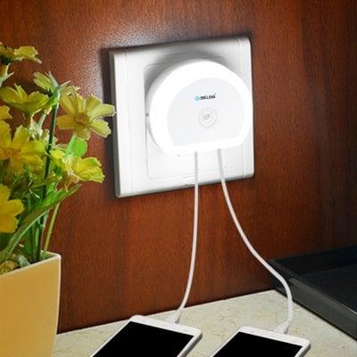 Gearbest: Interruptor Brelong creativo Light + Sensor de Luz de la noche con doble USB