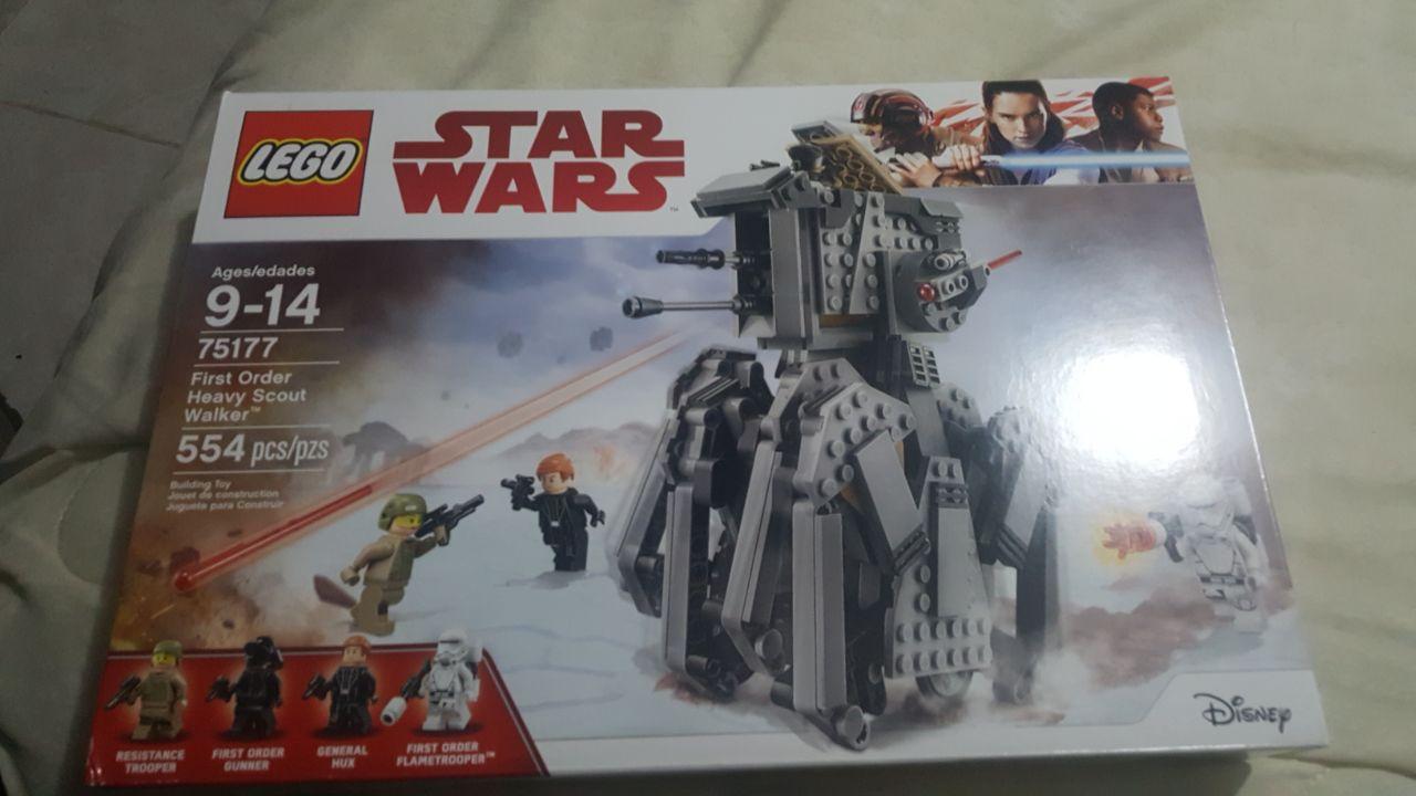 Walmart: Lego Star Wars First Order Heavy Scout Walker 554 Piezas