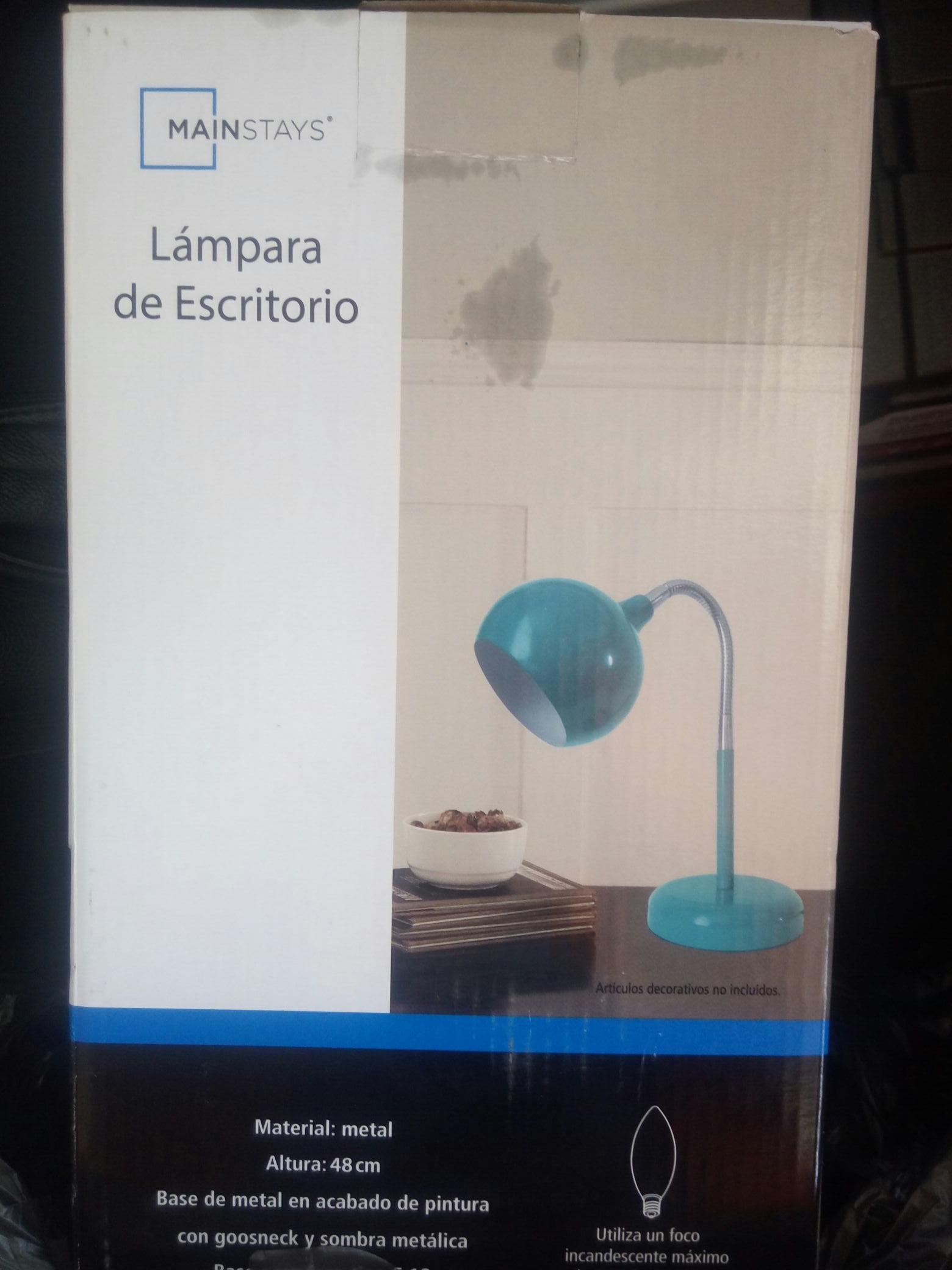 Walmart Toluca: liquidación lámpara de escritorio y mas cositas
