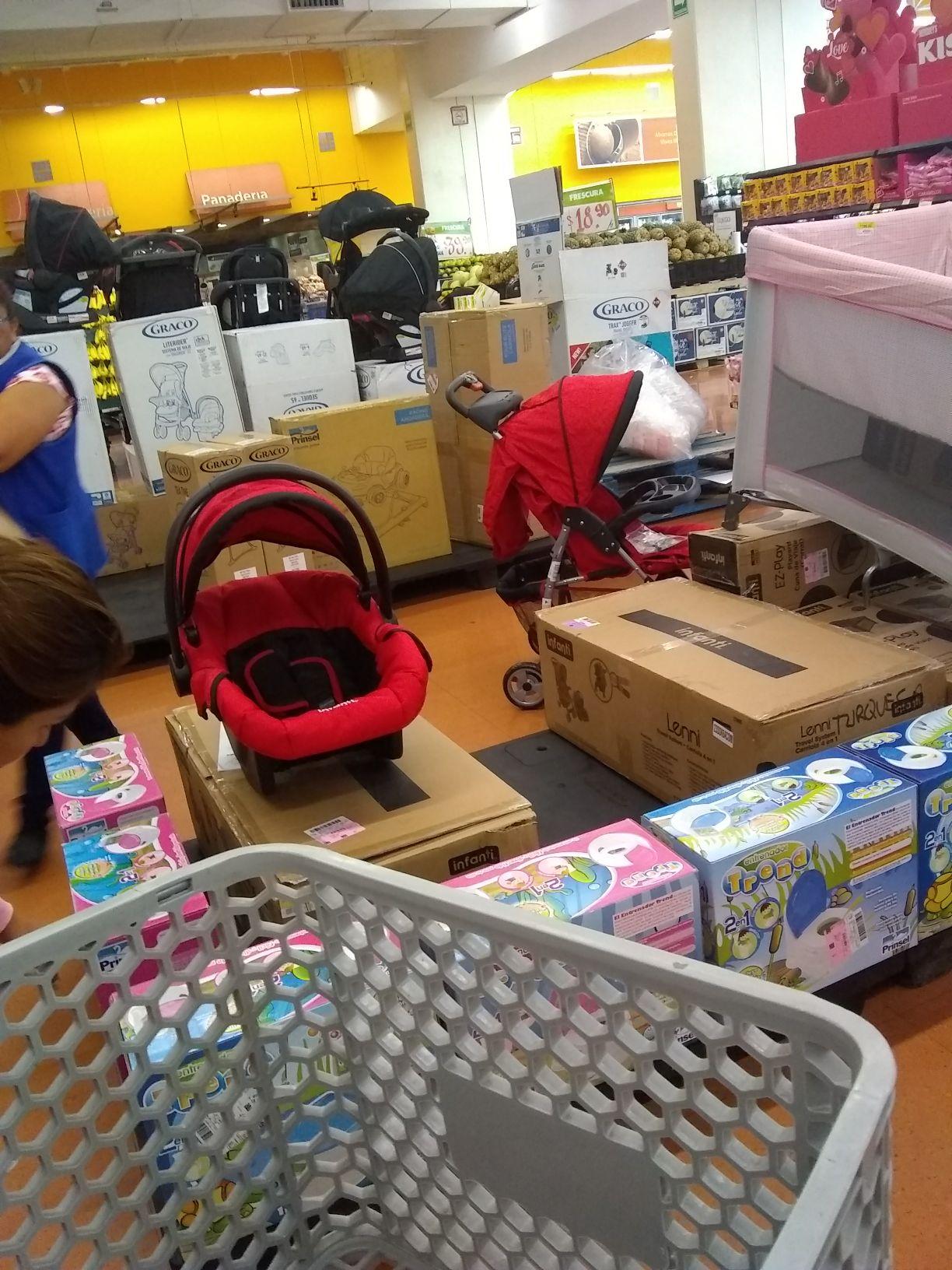 Walmart: Infanti carreola $1,348.03