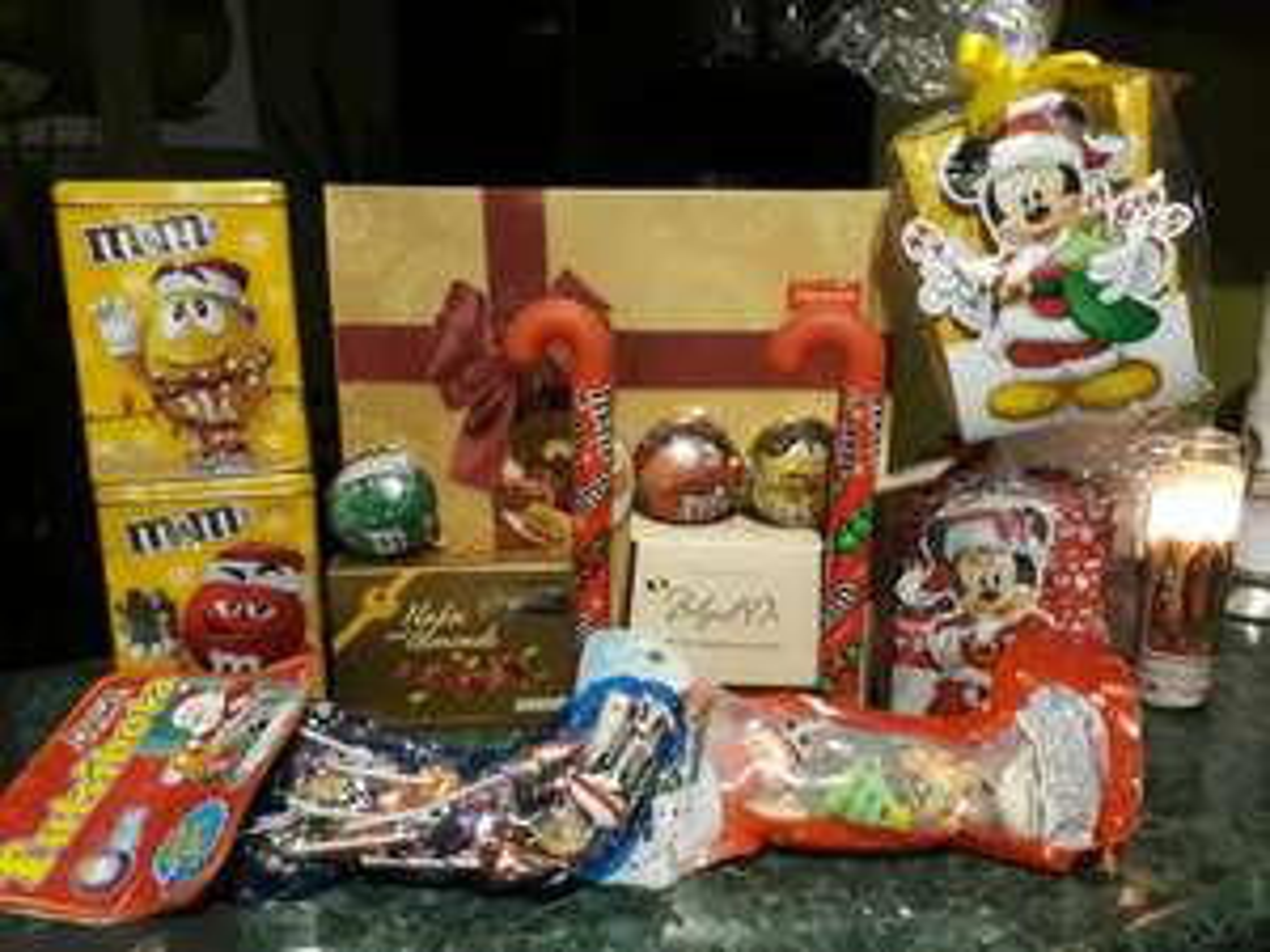 Walmart: Chocolates en liquidacion (ej. Tutsibota 275 gr $15.00)