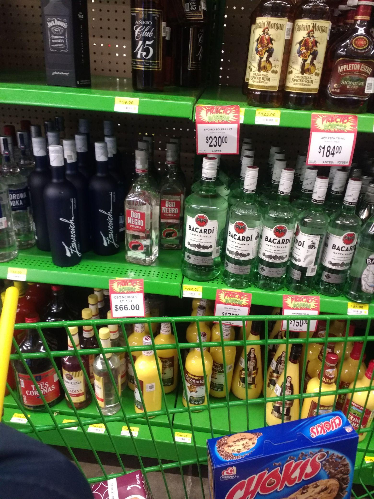 Bodega Aurrerá: Botella de vodka oso negro 1 litro