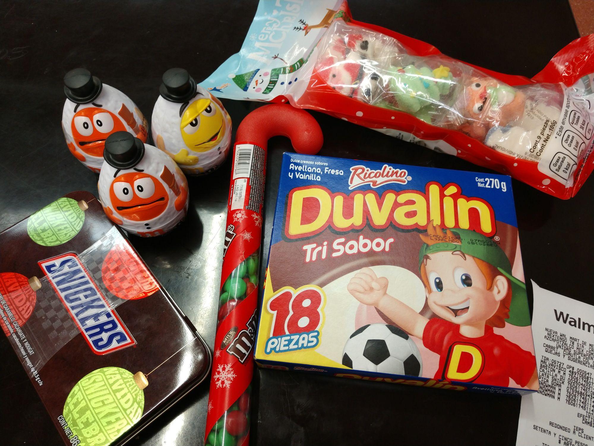 Walmart: Botita navideña 0.1, lata snickers 10.03, y mas