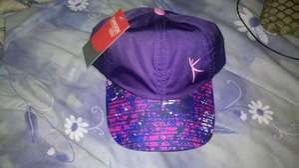 Walmart: gorra de mujer marca danskin now de 98 a 10 pesos