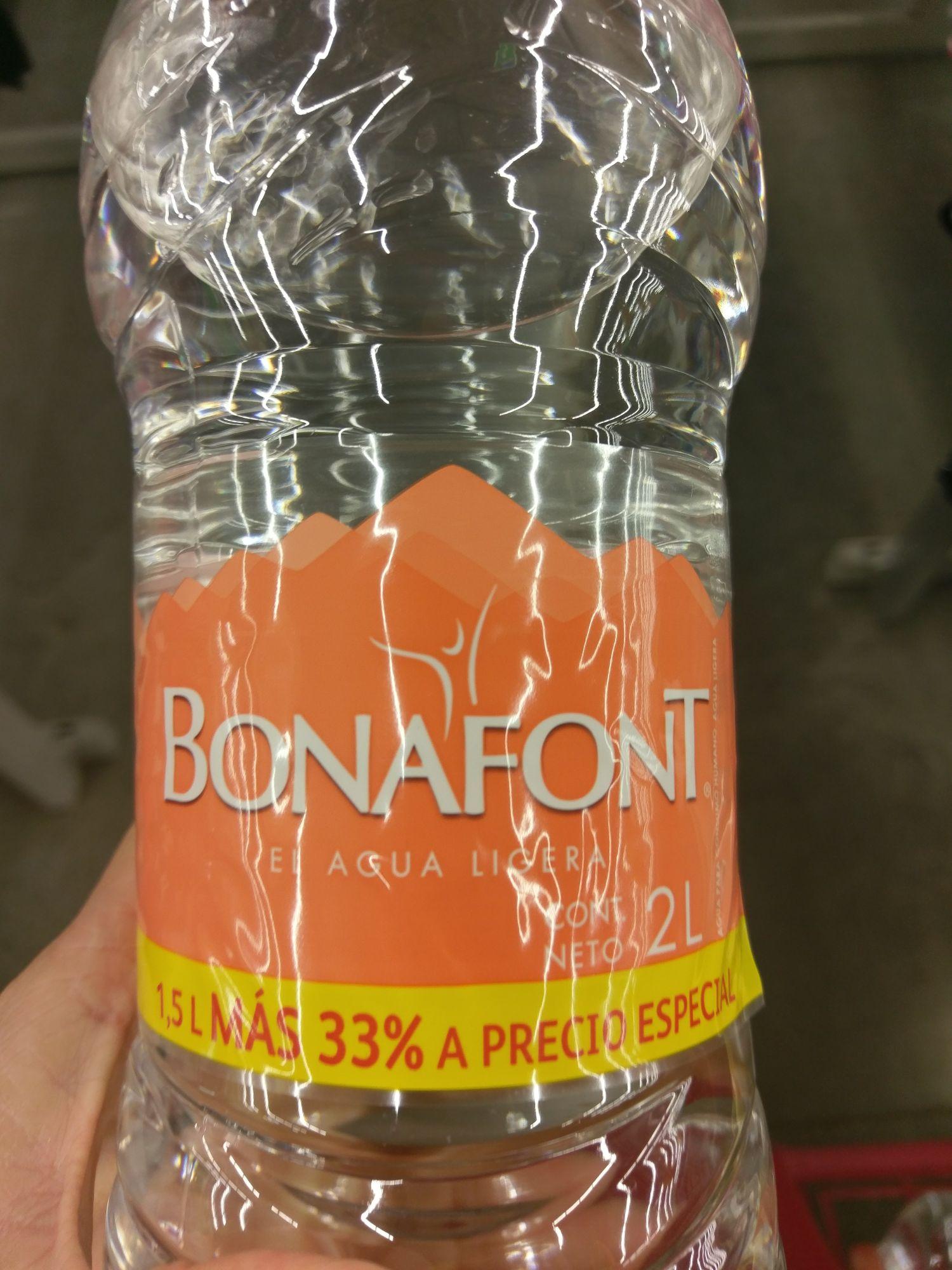 Bodega Aurrerá: Bonafont 1.5lts+33%= 2lts a $4.02