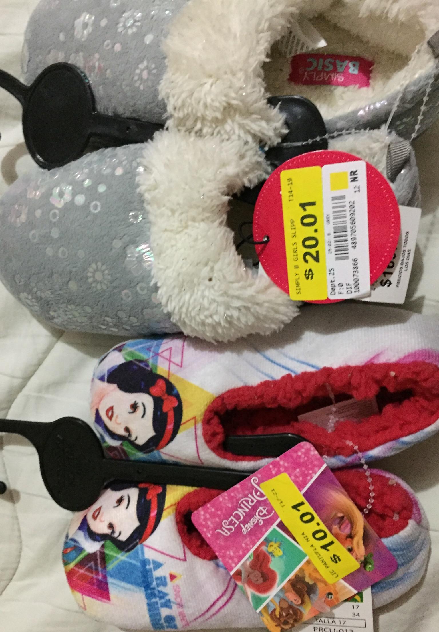 Bodega Aurrerá: pantuflas para niña en $10 y $20