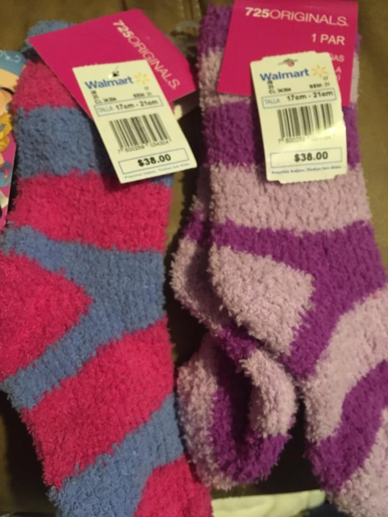 Walmart: calcetas de niña a $5.03 y más