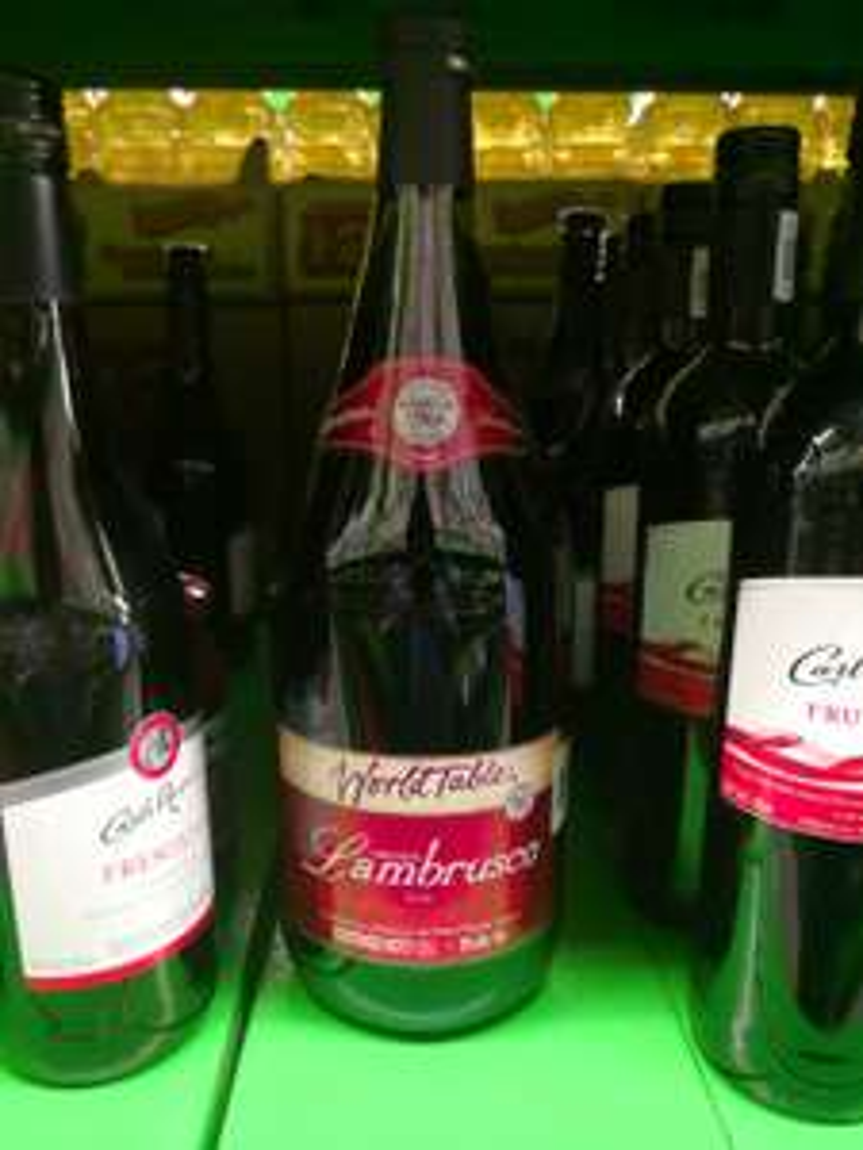 Vino tipo Lambrusco 1.5lts (italiano importado por Great Value)