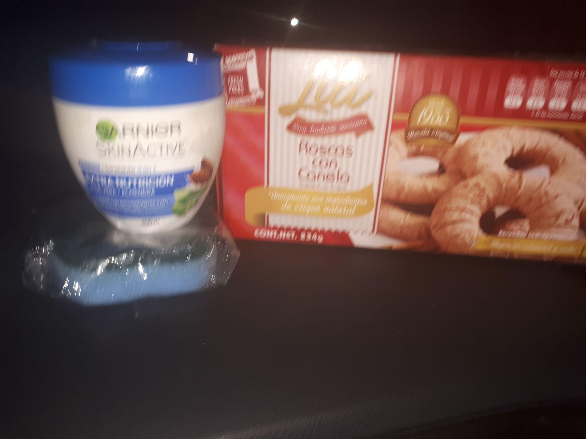 Bodega Aurrerá: Ofertas sacate 1.01,galletas 7.01 cremas Granier 10.01 estaban escondidas y trapo para limpiar 3.01 muy buenas