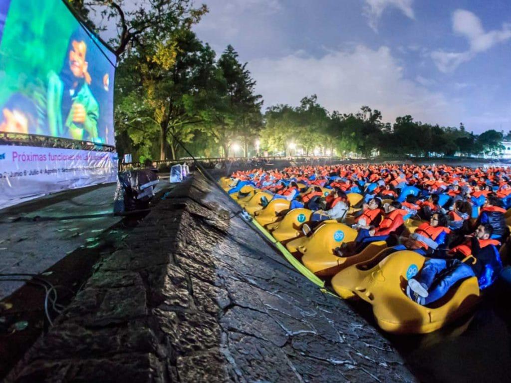 Lanchacinema!! Cine gratis  al aire libre en la CDMX !!!!!!