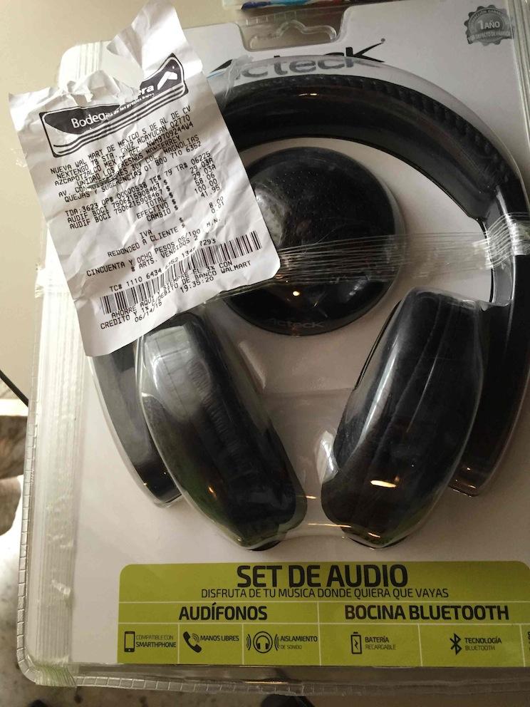 Bodega Aurrerá: Set de Audifonos y Bocina Bluetooth en $29.03 (visto en MTY)