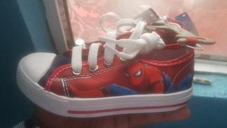 Walmart liquidación, tenis Spiderman