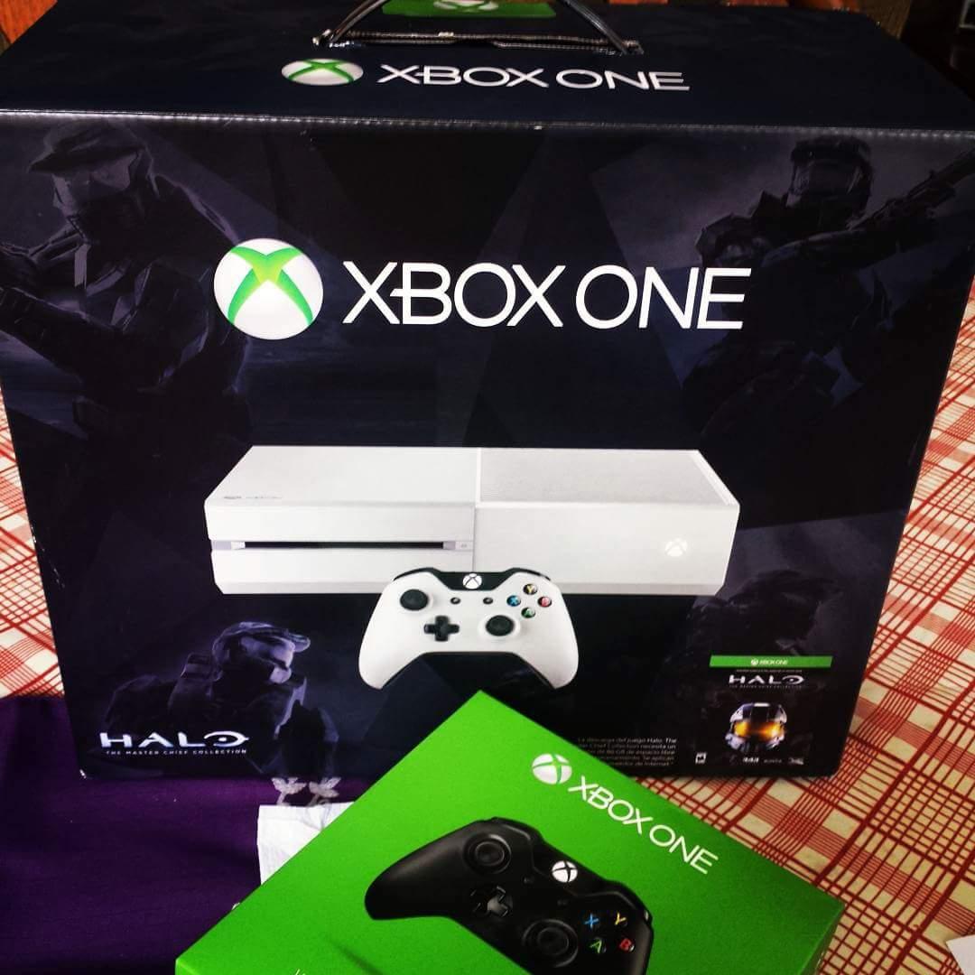 Walmart: Xbox Edicion Halo Master Chief Blanca con Control inalambrico extra de Regalo a $4,999