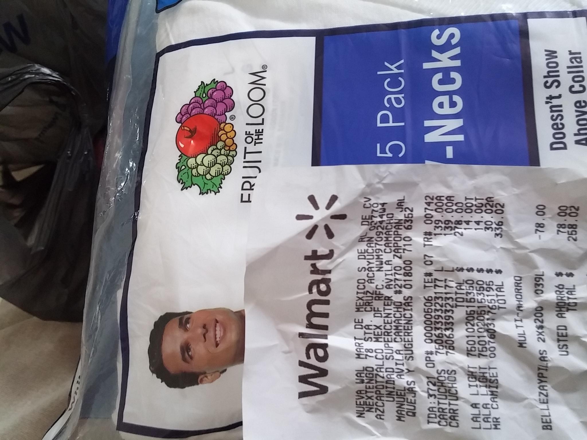 Walmart: 5 Pack Camiseta blanca de cuello V a $30.02