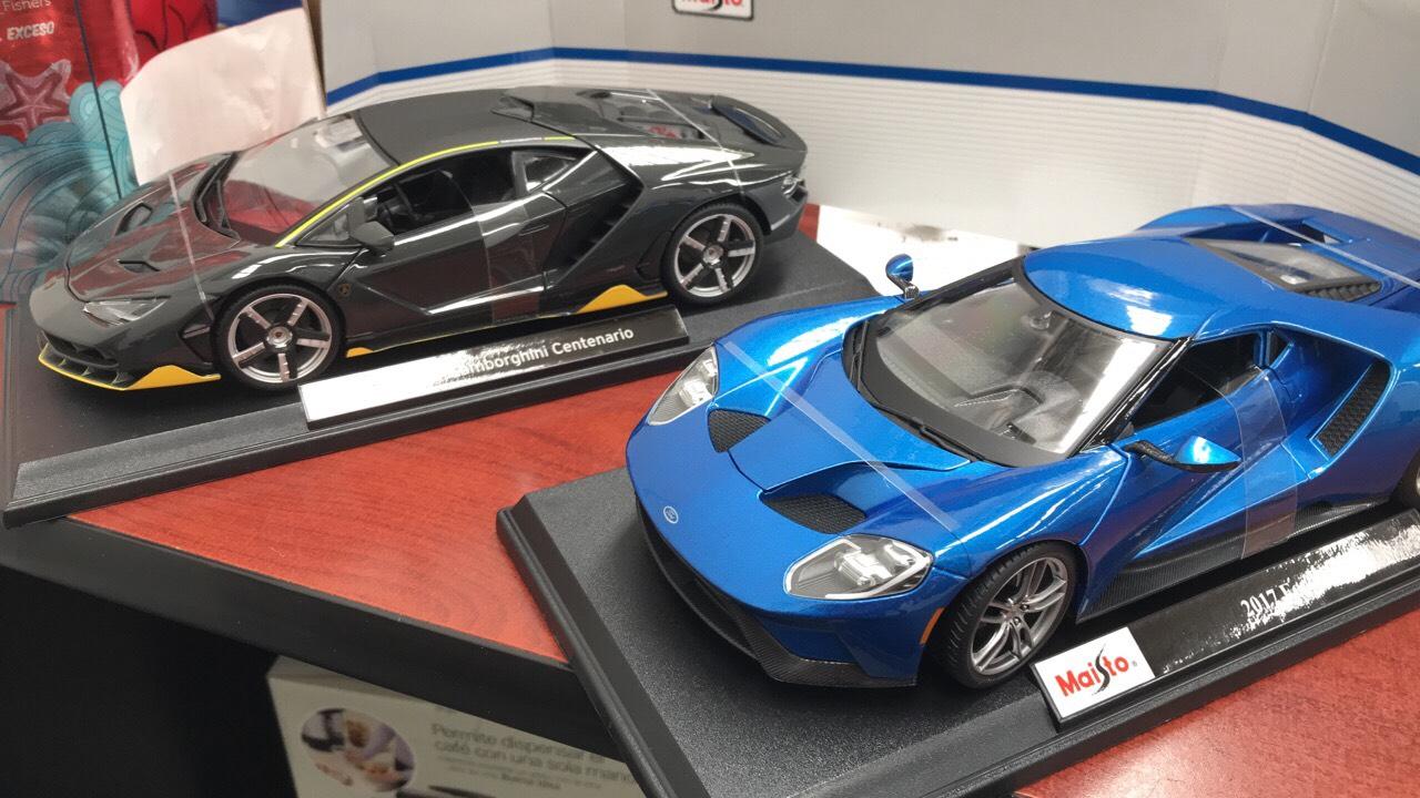 Sam's Club: Autos a escala maisto 1:18 varios modelos