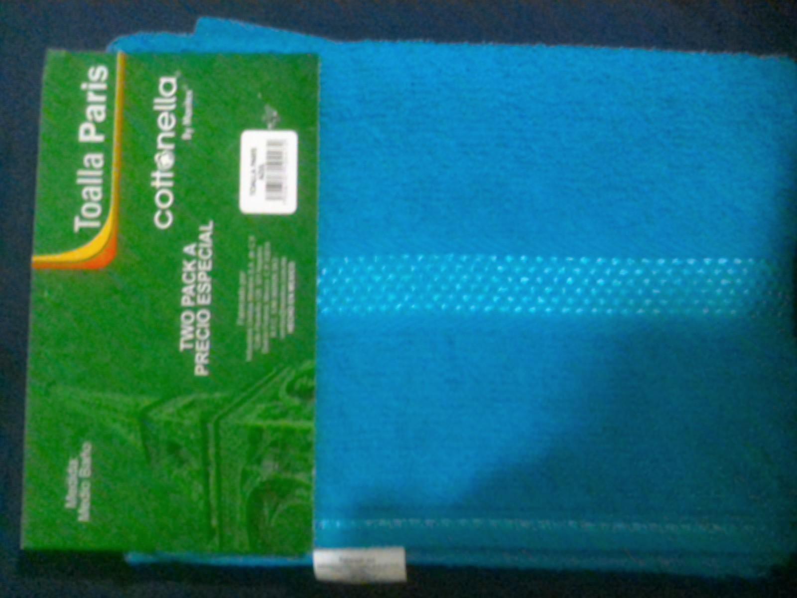 Bodega Aurrerá: Dos toallas de baño o Espejo para habitacion