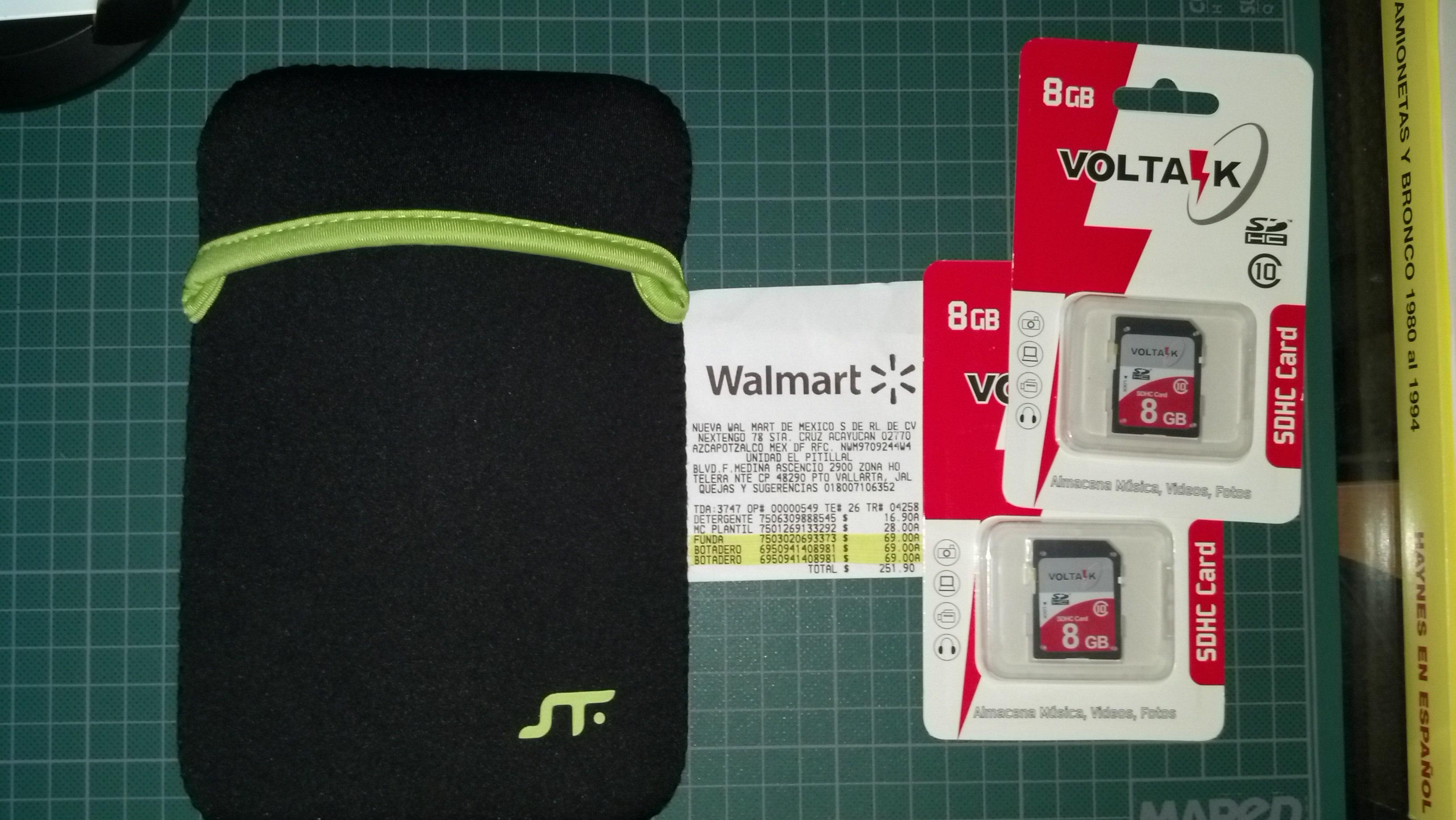 Walmart: Memoria SD de 8GB a $69 y funta de neopreno para tablet de 7 pulg. A $69